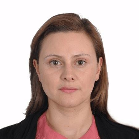 Alicia S. profesional picture[421]
